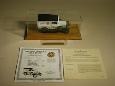 1930's BORDENS  FORD PANEL DELIVERY MILK TRUCK DANBURY MINT 1:24 DIECAST DISPLAY