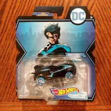 Nightwing - DC Universe Character Cars - Hot Wheels (2019)