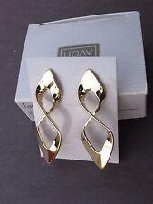 1988 Avon Fashion Twist Pierced Earrings