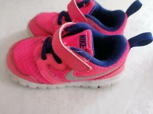 Nike Mädchenschuhe 23