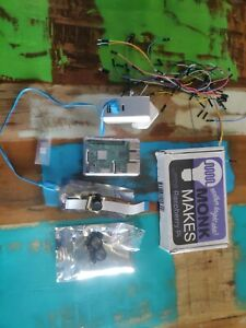 Raspberry Pi 3 Model B PLUS, Heatsinks, case, camera, starter kit, charger, 32GB