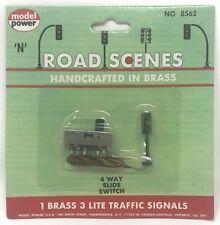 NEW! N Scale Model Power #8562 Road Scenes Brass 3-Light Traffic Signal w/Switch