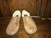 Ugg Australia Size US 9 Slip On Shearling Brown Leather Mule Clog Shoes 5747