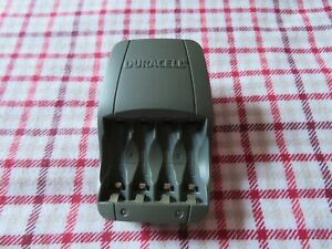 Duracell plug in battery re charger AA - AAA