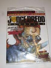 JUDGE DREDD MEGAZINE Comic - No 289 - UK Paper Comic with free gift (Unopened)