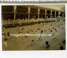 Prensa original de foto: Heat Wave en parís-Open Air Swimming Pool 1957
