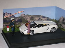 CODE 3 Diorama Lamborghini Gallardo in White Stopped for Speeding 1/43rd Scale