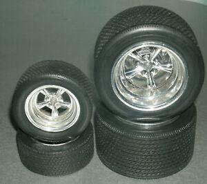 1/16 Scale Classic Treaded Asphalt Racing Tire Set w/ Torq Thrust Style Rims