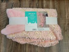 Pillowfort Mermaid Tail Wearable Plush Blanket (66x55inch) - Pink