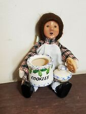 Byers Choice Toddler Girl with Cookie and Cookie Jar 1992 red/white/green plaid