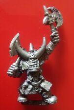 Black Orc boss líder citadel GW Games Workshop orcos slotta ficha hachas de metal