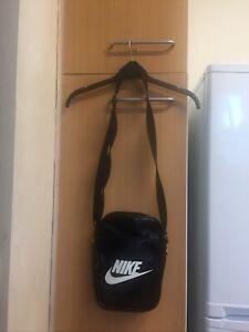 Nike Mens Black Cross Shoulder Messager Body Bag