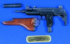 Verlinden 1/4 Uzi IMI (MP-2) Submachine Gun with Wooden Stock & Suppressor 2558