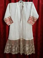 Belle Aube de prêtre ancienne 19ème fine dentelle brodée décor de roses 12835