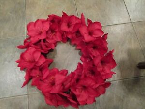 Pottery Barn Red faux Amaryllis wreath  Christmas  New wo tag