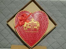 Vintage 1950s Page & Shaw Inc. / Gold Crest Heart / Valentines Chocolate Box