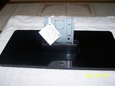 MAGNAVOX 50ME313VF7 STAND WITH SCREWS