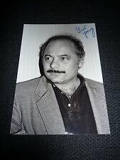 BURT YOUNG signed Autogramm auf 20x30 cm Bild RAMBO SYLVESTER STALLONE InPerson