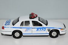 NYPD Police 1:8 Scale Ford Crown Victoria 1999 WELLY Diecast Metal Car 1883 CPR