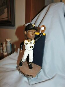 "Roberto Clemente Pittsburgh Pirates Bobblehead   - Wall Catch-""Bobble Dobbles"""