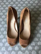Massimo Dutti Fawn/Tan Coloured Suede Peep Toe Heels Size 40 Uk 7 Good Condition