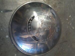 FX 48-215 Holden wheel cap