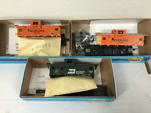 Athearn Blue Box kits HO Scale 3 Wide Vision Cabooses
