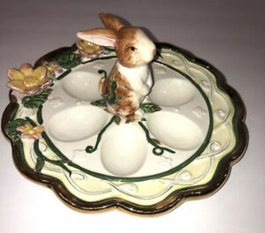 EASTER DEVILED EGG DISH  PLATE With BUNNY RABBIT Handle EUC Gold Scalloped Rim