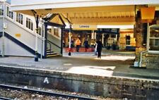 PHOTO  LEWES RAILWAY STATION 2000: NORTHWARD FROM PLATFORM 4 TOWARDS CENTRE OF R