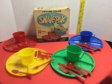 50's Plastic Dishes&Tableware Sterlite Snak-Pak 22 pcs Made in Usa Original Box