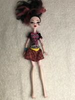 Monster High Doll Draculaura With Blue Heart.       D