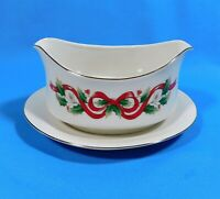 NEW Royal Limited HOLLY HOLIDAY Gravy Boat Red Ribbon with Gold Trim NWT