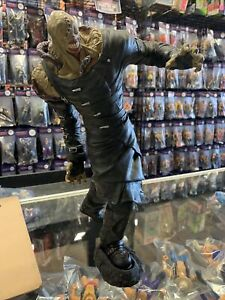 Palisades Resident Evil 3 Nemesis 16 Inch Vinyl Statue Extremely Rare
