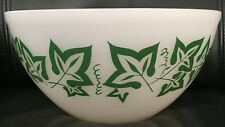 PYREX LARGE GREEN LEAF PATTERNED PATTERNED MIXING BOWL in EXC