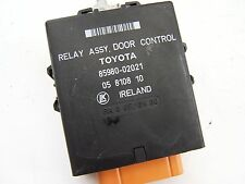 Toyota Corolla (2000-2002), 85980-02021 Relé de control de puerta