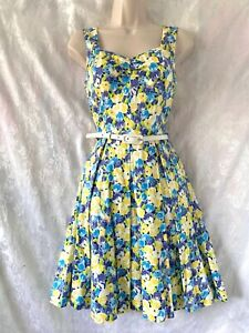 """Gorgeous  """"REVIEW""""  Floral Fit and Flare Dress Size 8"""