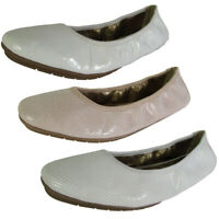 Me Too Womens Icon Ballet Flat Shoes