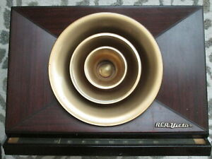 Vintage 1949 RCA Victor 9-X-571 Golden Throat Tube Radio UNTESTED