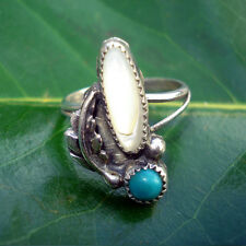 Ring - Vintage Sterling silver Turquoise, mother of pearl with leaf on the side