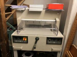 IDEAL 4850 - 95 elektrischer Stapelschneider Schneidmaschine u. Ersatzmesser