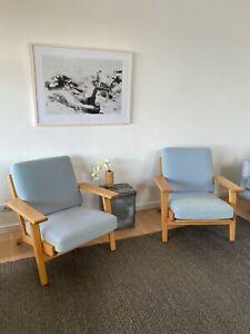 Replica Hans Wegner Plank Chairs