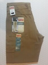 NWT Wrangler Mens Cargo Jeans Size 32-32 Relaxed Fit, Khaki, With Tech Pocket!