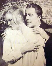 DRACULA RISEN FROM GRAVE sexy Veronica Carlson & Christopher Lee B&W photo 1968