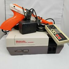 1985 Nintendo NES Console Bundle with Power Supply 1 Controller & Gun Tested