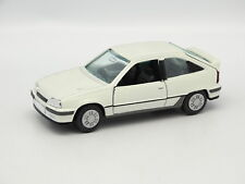 Gama SB 1/43 - Opel Vauxhall Astra GSI White