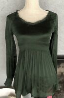 SUNNY LEIGH FOREST GREEN POLYESTER SILK PLEATED TOP SIZE M