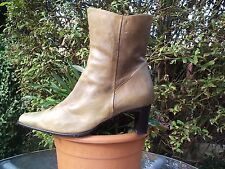 TAN/BEIGE/STONE DISTRESSED LEATHER ANKLE BOOTS SIZE 8