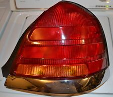 RIGHT TAIL LIGHT FORD CROWN VICTORIA 1998 1999 2000 2001 2002 2003 2004 2005