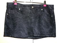 GUESS JEANS UK M APPROX UK 12 - 14 BLACK DENIM SILVER GLITTER MINI SKIRT