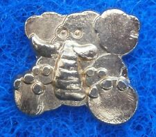AC750) Vintage gold tone metal cartoon elephant badge brooch With pinch clasp